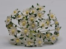 WHITE SINGLE-LAYERED Miniature Daisy (XS) Mulberry Paper Flowers